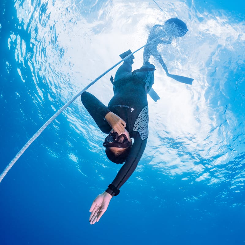 Freediver descending
